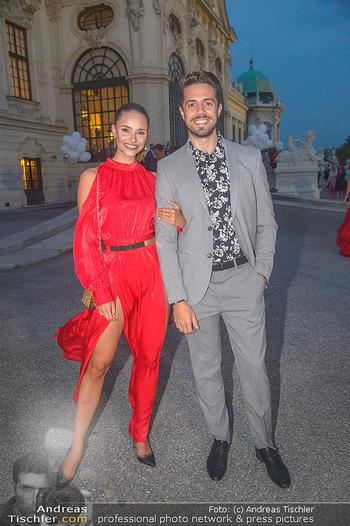 Leading Ladies Awards 2018 - Schloss Belvedere - Di 04.09.2018 - Julia FURDEA mit Freund (Verlobten) Christian77