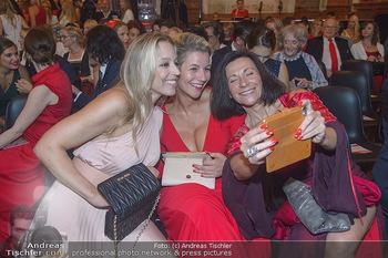 Leading Ladies Awards 2018 - Schloss Belvedere - Di 04.09.2018 - Nina PROLL mit Schwester Nadine, Nicole HOFFMANN98