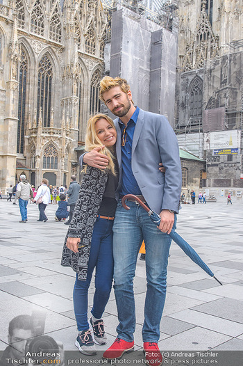 Swen Temmel und Meadow Williams - Zanoni und Stephansplatz, Wien - Di 04.09.2018 - Swen TEMMEL, girlfriend Meadow WILLIAMS in love in Vienna22