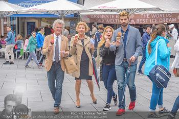 Swen Temmel und Meadow Williams - Zanoni und Stephansplatz, Wien - Di 04.09.2018 - Swen TEMMEL, girlfriend Meadow WILLIAMS, his parents Charly and 28