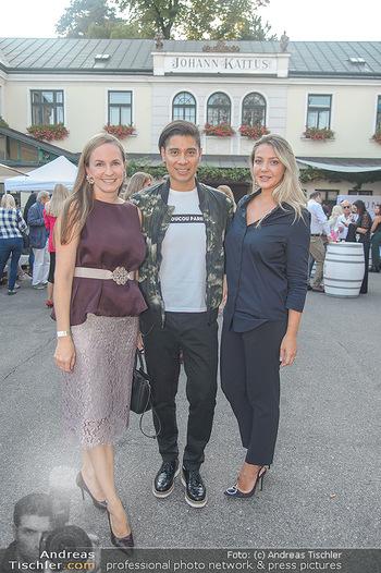 Runway Fashion Show - Kattus Sektkellerei - Do 06.09.2018 - Olga LASKARI, Maria GROßBAUER (GROSSBAUER), Alexis FERNANDEZ4