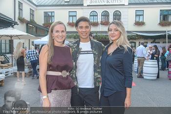 Runway Fashion Show - Kattus Sektkellerei - Do 06.09.2018 - Olga LASKARI, Maria GROßBAUER (GROSSBAUER), Alexis FERNANDEZ5