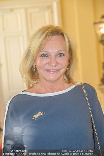 Ehrenzeichen für Karl Spiehs - Bundeskanzleramt - Mo 10.09.2018 - Ingrid FLICK (Portrait)51