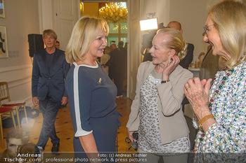 Ehrenzeichen für Karl Spiehs - Bundeskanzleramt - Mo 10.09.2018 - Ingrid FLICK, Angelika SPIEHS54