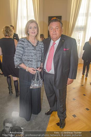 Ehrenzeichen für Karl Spiehs - Bundeskanzleramt - Mo 10.09.2018 - Helmut und Daniele THOMA64