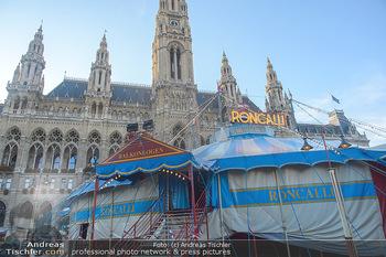 Roncalli Zirkus Premiere - Roncalli Zirkuszelt Rathausplatz Wien - Mi 12.09.2018 - Roncalli Zirkuszelt vor dem Rathausplatz2