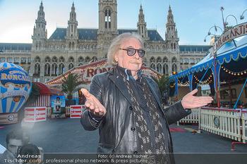 Roncalli Zirkus Premiere - Roncalli Zirkuszelt Rathausplatz Wien - Mi 12.09.2018 - Bernhard PAUL13