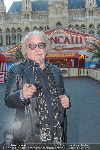 Roncalli Zirkus Premiere - Roncalli Zirkuszelt Rathausplatz Wien - Mi 12.09.2018 - Bernhard PAUL15