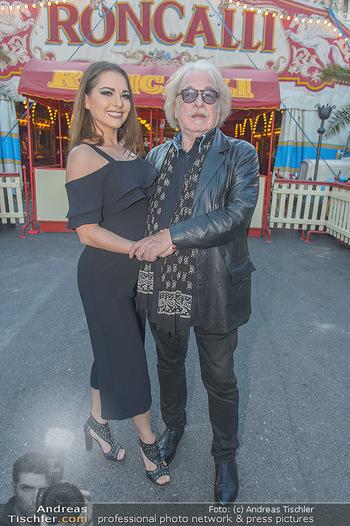 Roncalli Zirkus Premiere - Roncalli Zirkuszelt Rathausplatz Wien - Mi 12.09.2018 - Bernhard PAUL mit Tochter Vivian25