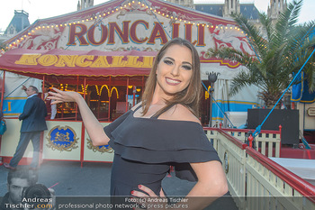 Roncalli Zirkus Premiere - Roncalli Zirkuszelt Rathausplatz Wien - Mi 12.09.2018 - Vivian PAUL29