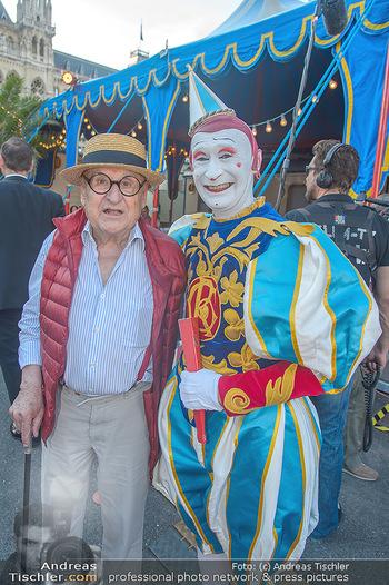 Roncalli Zirkus Premiere - Roncalli Zirkuszelt Rathausplatz Wien - Mi 12.09.2018 - Gustav PEICHL (Ironimus) mit Clown31