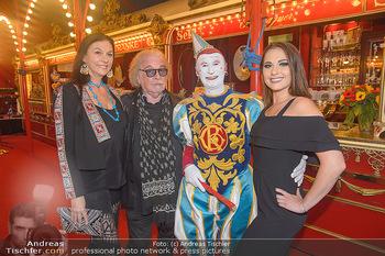 Roncalli Zirkus Premiere - Roncalli Zirkuszelt Rathausplatz Wien - Mi 12.09.2018 - Familie Bernhard PAUL mit Tochter Viviane und Ehefrau Eliana LAR35