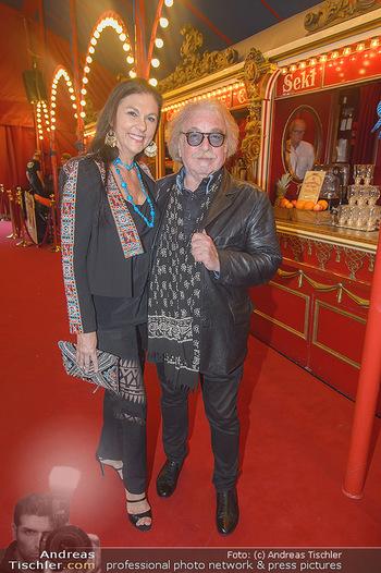 Roncalli Zirkus Premiere - Roncalli Zirkuszelt Rathausplatz Wien - Mi 12.09.2018 - Familie Bernhard PAUL mit Ehefrau Eliana LARIBLE37