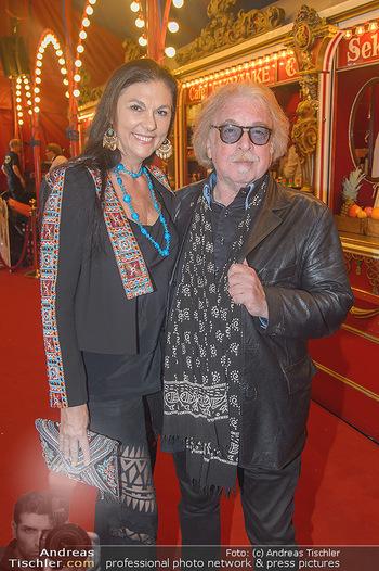 Roncalli Zirkus Premiere - Roncalli Zirkuszelt Rathausplatz Wien - Mi 12.09.2018 - Familie Bernhard PAUL mit Ehefrau Eliana LARIBLE38