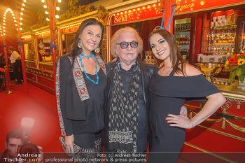 Roncalli Zirkus Premiere - Roncalli Zirkuszelt Rathausplatz Wien - Mi 12.09.2018 - Familie Bernhard PAUL mit Tochter Viviane und Ehefrau Eliana LAR39