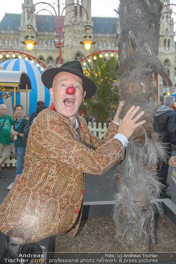Roncalli Zirkus Premiere - Roncalli Zirkuszelt Rathausplatz Wien - Mi 12.09.2018 - Gernot KRANNER (war früher mal Clown)48