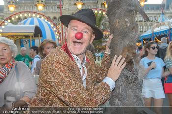 Roncalli Zirkus Premiere - Roncalli Zirkuszelt Rathausplatz Wien - Mi 12.09.2018 - Gernot KRANNER (war früher mal Clown)49