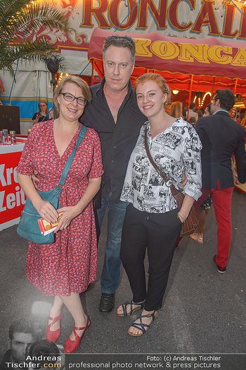 Roncalli Zirkus Premiere - Roncalli Zirkuszelt Rathausplatz Wien - Mi 12.09.2018 - Familie Nicholas OFCZAREK, Tamara METELKA, Tochter Maeve83