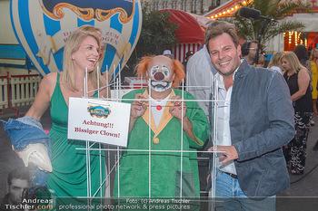 Roncalli Zirkus Premiere - Roncalli Zirkuszelt Rathausplatz Wien - Mi 12.09.2018 -  Georg WYHNALEK mit Freundin87
