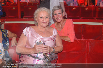 Roncalli Zirkus Premiere - Roncalli Zirkuszelt Rathausplatz Wien - Mi 12.09.2018 - Marika LICHTER, Trixi SCHUBA113