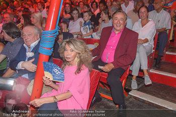 Roncalli Zirkus Premiere - Roncalli Zirkuszelt Rathausplatz Wien - Mi 12.09.2018 - Jeanine SCHILLER, Richard LUGNER118