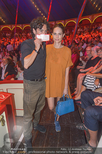 Roncalli Zirkus Premiere - Roncalli Zirkuszelt Rathausplatz Wien - Mi 12.09.2018 - Stefano BERNARDIN, Uli AUERBÖCK120
