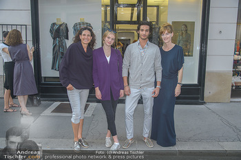 Cashmere Bestell-Event - Michel Mayer Store Wien - Do 13.09.2018 - Caro STRASNIK, Michel MAYER mit Models13