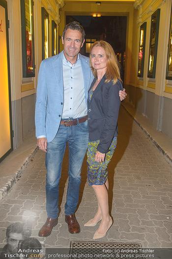 20 Jahre Peter Hofbauer im Metropol - Wiener Metropol, Wien - Mi 19.09.2018 - Stefan GEHRER mit Ehefrau Birgit26