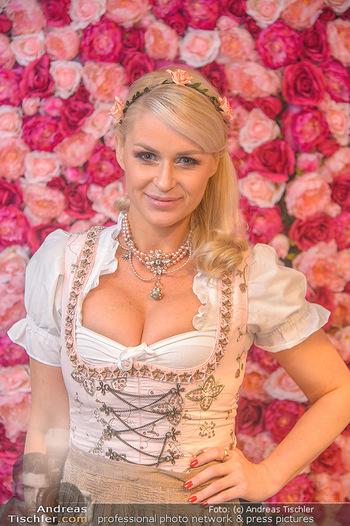 Promi Trachtenmodenschau - GSH Designhotel Ana Enzian Wien - Mi 26.09.2018 - Kathi STEININGER (Portrait)29