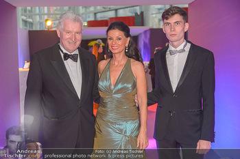Ronald McDonald Kinderhilfegala - Messe Wien - Fr 19.10.2018 - Sonja KLIMA, Josef KIRCHBERGER mit Sohn7