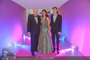 Ronald McDonald Kinderhilfegala - Messe Wien - Fr 19.10.2018 - Sonja KLIMA, Josef KIRCHBERGER mit Sohn9