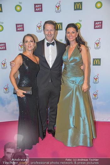 Ronald McDonald Kinderhilfegala - Messe Wien - Fr 19.10.2018 - Franco FODA mit Ehefrau Andrea, Sonja KLIMA39