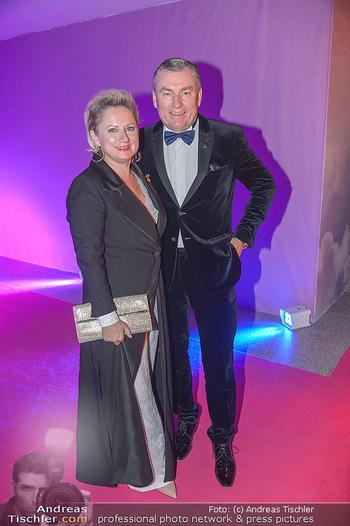 Ronald McDonald Kinderhilfegala - Messe Wien - Fr 19.10.2018 - Toni MÖRWALD mit Ehefrau Eva58