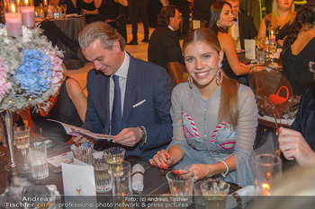 Ronald McDonald Kinderhilfegala - Messe Wien - Fr 19.10.2018 - Victoria SWAROVSKI mit Ehemann Werner MÜRZ110