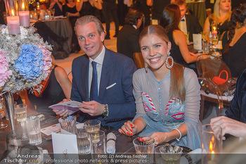 Ronald McDonald Kinderhilfegala - Messe Wien - Fr 19.10.2018 - Victoria SWAROVSKI mit Ehemann Werner MÜRZ111