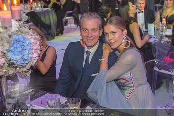 Ronald McDonald Kinderhilfegala - Messe Wien - Fr 19.10.2018 - Victoria SWAROVSKI mit Ehemann Werner MÜRZ112
