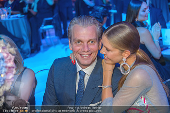 Ronald McDonald Kinderhilfegala - Messe Wien - Fr 19.10.2018 - Victoria SWAROVSKI mit Ehemann Werner MÜRZ115