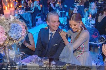 Ronald McDonald Kinderhilfegala - Messe Wien - Fr 19.10.2018 - Victoria SWAROVSKI mit Ehemann Werner MÜRZ116