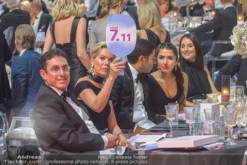 Ronald McDonald Kinderhilfegala - Messe Wien - Fr 19.10.2018 - Alexandra SWAROVSKI bietet mit180
