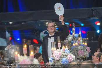 Ronald McDonald Kinderhilfegala - Messe Wien - Fr 19.10.2018 - Andreas SCHWERLA bietet mit189