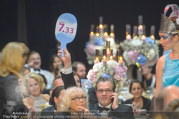 Ronald McDonald Kinderhilfegala - Messe Wien - Fr 19.10.2018 - Andreas SCHWERLA bietet mit190