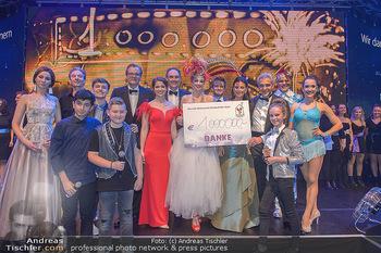 Ronald McDonald Kinderhilfegala - Messe Wien - Fr 19.10.2018 - Gruppenfoto mit Spendensummer 1 Mio Euro, Scheck330