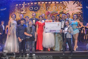Ronald McDonald Kinderhilfegala - Messe Wien - Fr 19.10.2018 - Gruppenfoto mit Spendensummer 1 Mio Euro, Scheck331