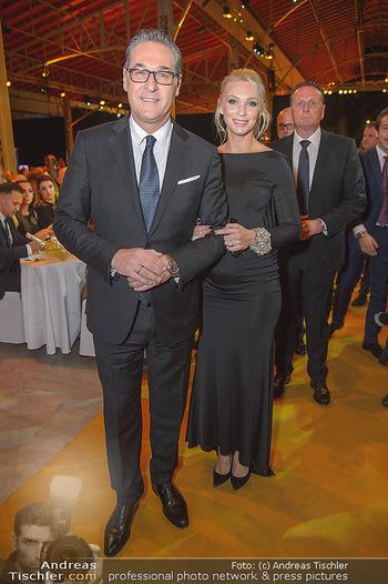 Sporthilfe Sportler des Jahres Gala - Marx Halle - Mi 31.10.2018 - Heinz-Christian HC STRACHE mit Ehefrau Philippa (BECK, schwanger103