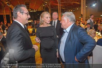 Sporthilfe Sportler des Jahres Gala - Marx Halle - Mi 31.10.2018 - Heinz-Christian HC STRACHE mit Ehefrau Philippa (BECK, schwanger108