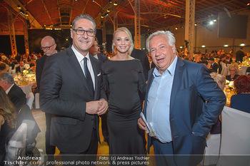 Sporthilfe Sportler des Jahres Gala - Marx Halle - Mi 31.10.2018 - Heinz-Christian HC STRACHE mit Ehefrau Philippa (BECK, schwanger111