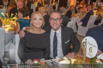 Sporthilfe Sportler des Jahres Gala - Marx Halle - Mi 31.10.2018 - Heinz-Christian HC STRACHE mit Ehefrau Philippa (BECK, schwanger112
