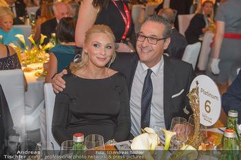 Sporthilfe Sportler des Jahres Gala - Marx Halle - Mi 31.10.2018 - Heinz-Christian HC STRACHE mit Ehefrau Philippa (BECK, schwanger113