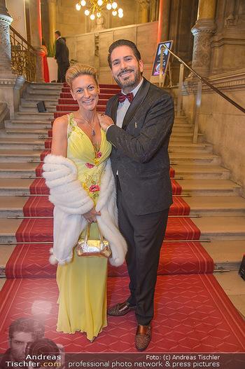 Life goes on Gala - Rathaus Wien - Sa 03.11.2018 - Clemens UNTERREINER mit Begleitung Karin BREITENEDER17