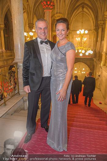 Life goes on Gala - Rathaus Wien - Sa 03.11.2018 - Hendrik HEY mit Ehefrau Esther19